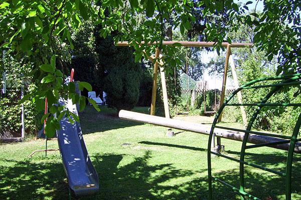 Der Spielplatz im Garten